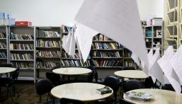Biblioteca e varal literário