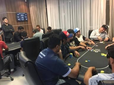 Mercado de pôquer no Vale do Itajaí movimenta mais de R$ 5 milhões por ano. (Foto: Ana Carolina Nasato)