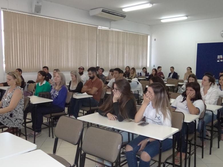 Educação (10)