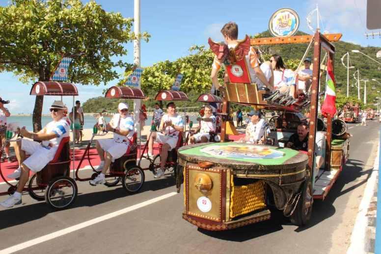desfile show abertura temporada 211213_foto silvia bomm (89)